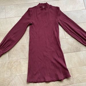 Aritzia Maroon Ballon Sleeve Dress
